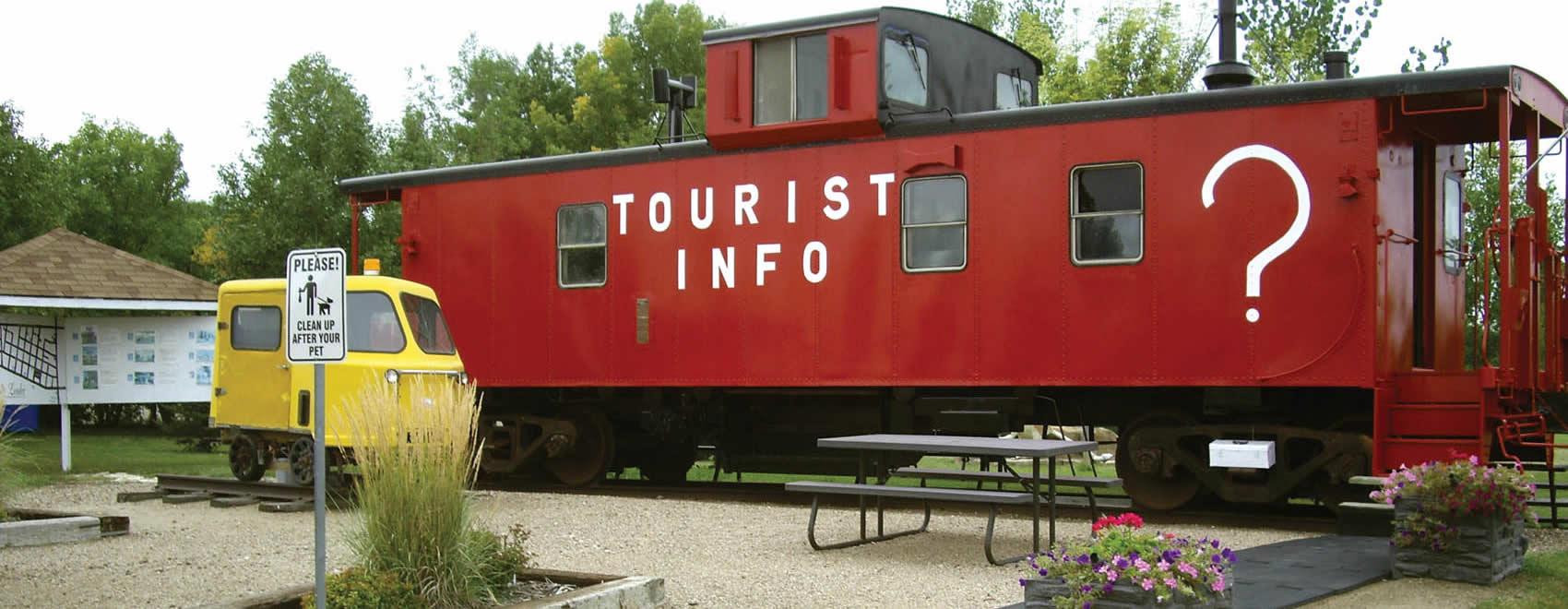 Leader Tourist Information Caboose
